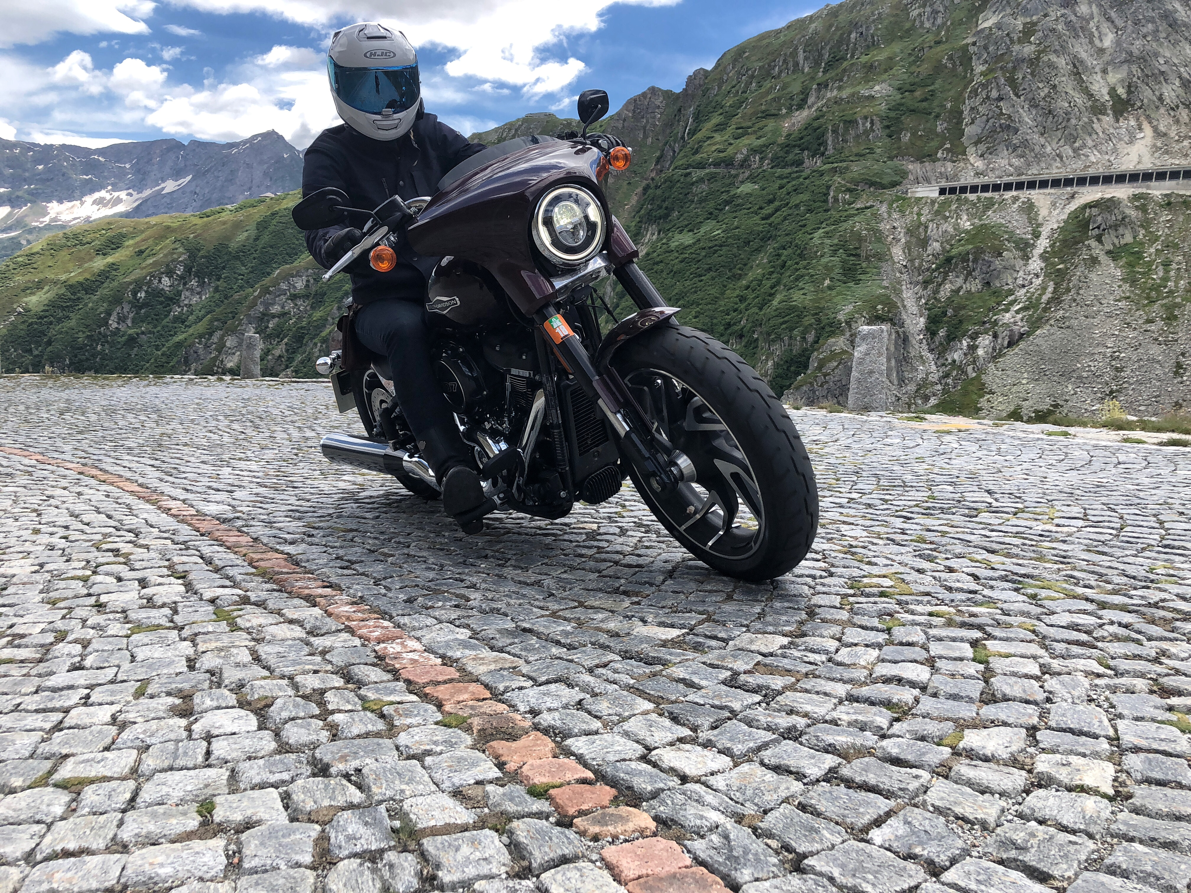 2018 Harley Davidson Sport Glide Review 187 The Girl On A Bike